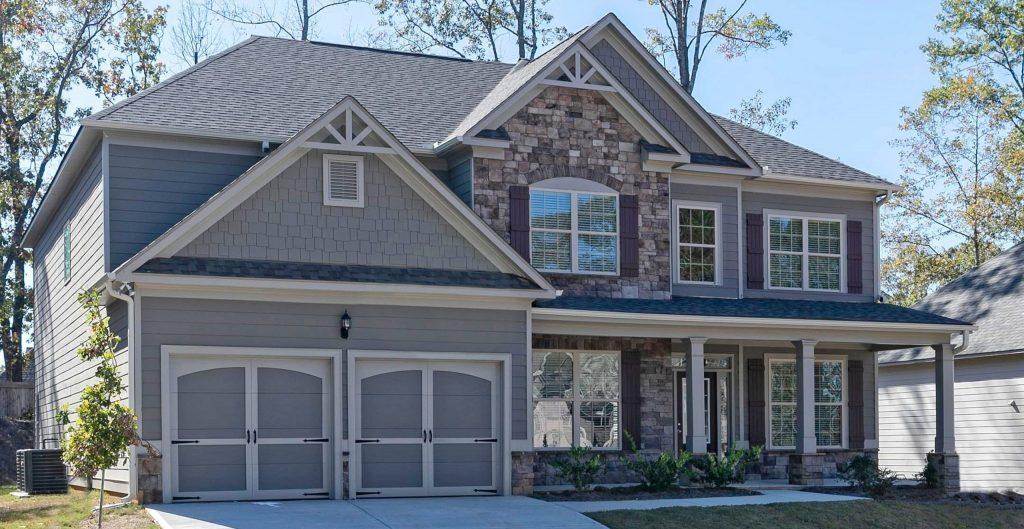 A ingle-family home in a neighborhood in Metro Atlanta new homes